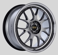 BBS LM-R 20x9.5 5x114.3 ET40 CB66 Diamond Black Center Diamond Cut Lip Wheels